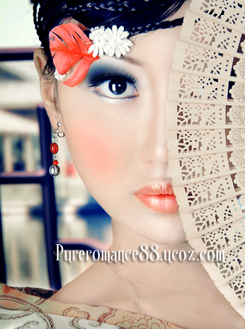 Give-Your-Ordinary-Portrait-Photo-Glamorous-Effect-with-Beautiful-Make-up.jpg