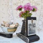 Cool and Grunge DIY Recyled Tutorials- vintage camera vase