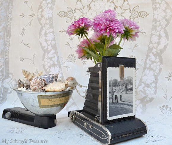 Cool and Grunge DIY Recyled Tutorials- vintage camera vase
