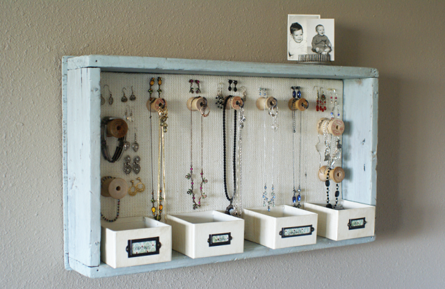 DIY jewelry organiser