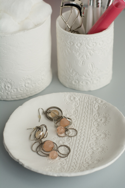 Springtime Decoration Tutorial DIYs- Lace Clay Containers